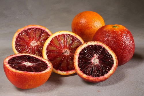 Фрукт красный апельсин