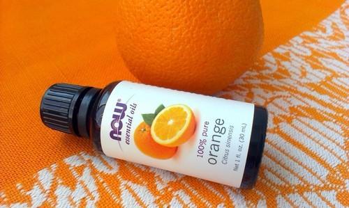 Масло апельсина в бутылочке