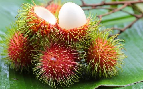Рамбутан спелый фрукт